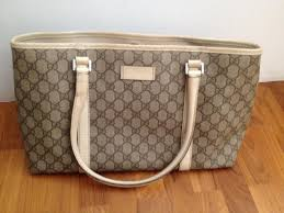 Buy luxurious hand bags at low cost